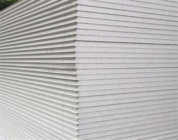 轻钢结构住房金属外墙保温板